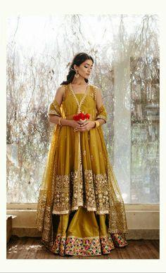 Sana Yasir Mehendi Outfits, Pakistani Outfits, Ethnic Fashion, Asian Fashion, Women's Fashion, Classy Outfits, Pretty Outfits, Silk Anarkali Suits, Eastern Dresses
