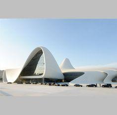 Centro Heydar Aliyev, Zaha Hadid en Bakú