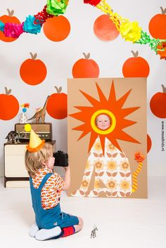This homemade PHOTO BOOTH is perfect for kids parties. All you need is a large piece of card, a hole for their faces, decorate it then snap away! It could even match the party theme! Check out our other kids party photo tips . Diy For Kids, Crafts For Kids, Diy Crafts, Baby Boy Birthday, Childrens Party, Animal Party, Diy Party, Party Ideas, Party Photos