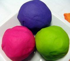 Recipes for homemade moon sand, flubber, sidewalk paint, window paint, kool-aid dough, shaving cream paint, finger paint, tub paint, and bubbles.