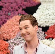 @Anythingbatch UK: To all have A happy Mother's Day flowers and batch what more could u need