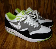 f4d44ba8773 Nike Air Max 1 Essential – White   Medium Grey – Black