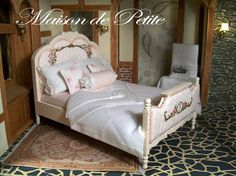 Cottage style bed~doll house miniature