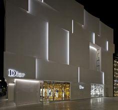 Dior Shop Facade in Miami: Commercial Architecture in Florida, USA – design by BarbaritoBancel architects - American Office Interior, Retail Architecture, Images Mall Facade, Retail Facade, Facade Lighting, Exterior Lighting, Design Light, Lighting Design, Shop Front Design, Store Design, Facade Design