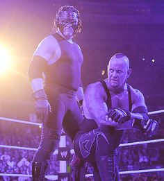 Brothers of Destruction reunion at Raw 1000!!