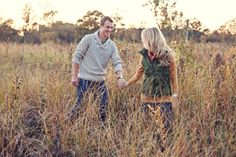 fall engagement session  Photography by ashleybiess.com