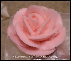 Making Roses Out Of Icing