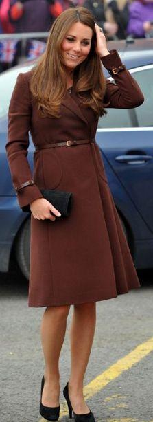 Kate Middleton: Dress – Great Plains    Coat = Hobbs    Shoes – Emmy Shoes