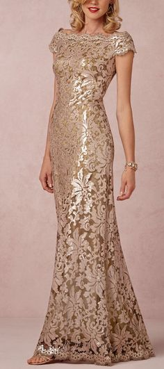 The prettiest Mother-of-the-bride dress! http://rstyle.me/n/neeqan2bn