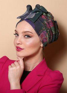 Fan style turban in purple floral Turbans, Headdress, Headpiece, Head Turban, Turban Style, Fascinator Hats, Mode Hijab, Headgear, Silk Scarves