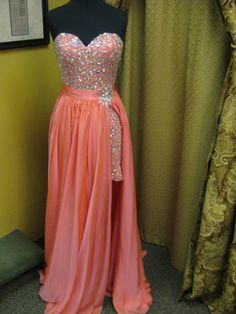 i would LOVE this for prom! so cute. <3