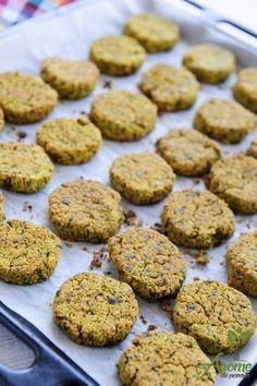 Falafel vegan la cuptor Arabic Breakfast, Falafel, Raw Vegan, Vegetarian, Desserts, Recipes, Food, Per Diem, Tailgate Desserts