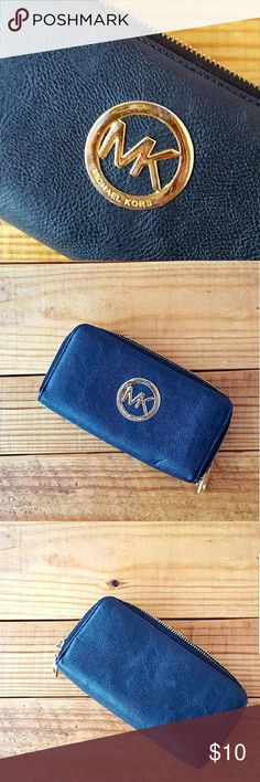 """{free} with bundle • michael kors • wallet *make sure you add this to your bundle and offer $10 less than the bundle total to receive this for FREE*  About: •brand: Michael Kors •size: one size •color: black •8 card slots •id card slot •good condition with plenty of life left •some exterior blemishes  •slight exterior peeling •some scratches on MK logo •missing wrist strap •comes from a smoke-FREE & pet-FREE home   Measurements: •length: 7.75"""" •width: 4.25"""" •depth: 1.25"""" Michael Kors Bags…"""