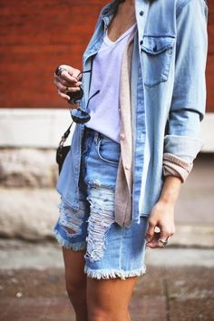 The Canadian Tuxedo - What can we say about this and who exactly coined this term? As far as Canadians can remember, this was never really a trend for any of us. Known as the 'denim on denim' ensemble, the Canuck staple has been adopted around the world and has been making the rounds among the fashion set. Our Get Leashed hint for making this trend work: mix your blues, but don't match.