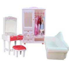 Купить товарСамый модный белый мечтательный куклы мебельный гарнитур председатель + туалетный столик + диван + грудь 4 шт. комплект девушки подарки ко дню рождения бесплатная доставка в категории Аксессуары для куколна AliExpress.            1 лот = стул + туалетный столик + диван + грудь = 4 шт.