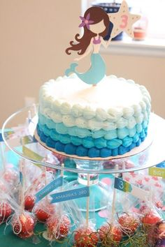 Mermaid Birthday Cake! I love the printable and the colours of the cake #birthday #cake