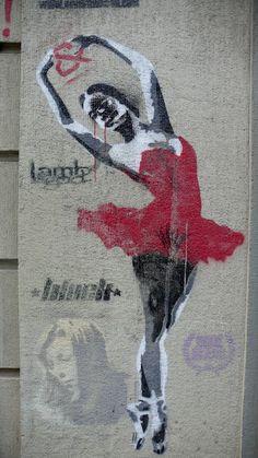 Uulitsakunst - Street art of Santiago de Chile - Arte Callejero de Santiago de Chile: Stencil Sunday. Street art in Santiago de Chile.