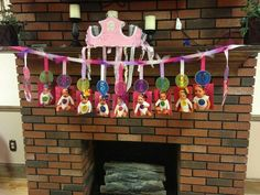 display monthly photo at first birthday | 1st Birthday party idea. Display their pic at ... | Twins birthday pa ...