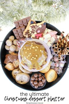 Dessert platters are the perfect way to feed a crowd, and this ultimate Christmas dessert platter is no exception. Christmas Deserts, Christmas Treats, Christmas 2019, Diy Christmas, Vegan Trifle Recipe, Delicious Desserts, Yummy Food, Yummy Recipes, Raisin Cookies