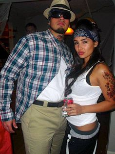diy couples halloween costume vatos LOL my boyfriend would get a kick out of this! Scary Couples Costumes, Gangster Costumes, Couples Halloween, Funny Couple Halloween Costumes, Halloween Outfits, Couple Costumes, Mexican Halloween Costume, Halloween Party, Halloween 2015