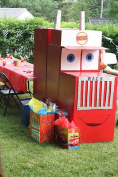 65 ideas cars birthday party ideas for boys cardboard boxes for 2019 Car Themed Parties, Cars Birthday Parties, Birthday Party Decorations, Pixar Cars Birthday, Disney Birthday, 4th Birthday, Birthday Ideas, Lightning Mcqueen Party, Lightening Mcqueen