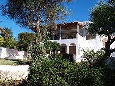 B&B Vivenda Balou B & B, Algarve, Portugal, Mansions, House Styles, Breakfast, Bed, Home Decor, Morning Coffee