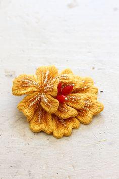 フェルト刺繍のお花~アネモネ~ : 赤いキノコ手芸団(フェルト刺繍PieniSieniのブログ)
