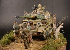 TRACK-LINK / Gallery / Panzer IV Ausf.J with Panzer Raiders