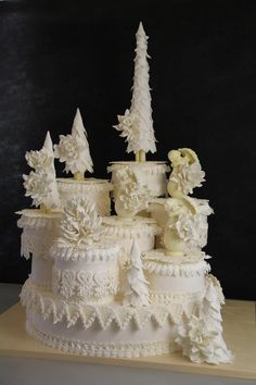 Royal Icing sculpture, modern lambeth - wedding special occasion anniversary cake - wish I knew the sugar artist to credit Gorgeous Cakes, Amazing Cakes, Wedding Cakes With Cupcakes, Cupcake Cakes, Chocolates, Royal Icing Cakes, Fantasy Cake, Specialty Cakes, Holiday Cakes