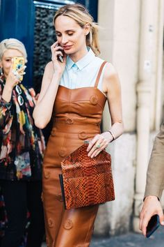 Couture Week Fall/Winter 2017-2018 brings the biggest couture houses to the Parisian runways and the most beautiful in vogue girls to the city streets. See the best street style looks spotted between shows by Sandra Semburg.