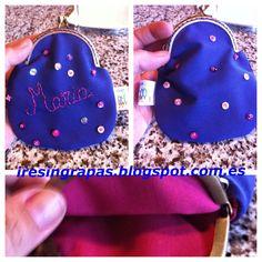 Monedero de loneta cosido a mano con lentejuelas y detalle bordado con el nombre. www.iresingrapas.blogspot.com.es