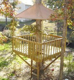 The treehouse ~ Mom and Her Drill Very simple, easy-to-build tree house - or so it seems.