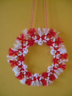 8 Martie, Dorset Buttons, Christmas Wreaths, Christmas Tree, D1, Crochet Clothes, Red And White, Projects To Try, Traditional