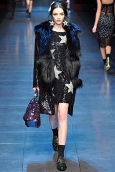 See the complete Dolce & Gabbana Fall 2011 Ready-to-Wear collection.