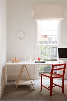 study in style: home office inspiration Interior Minimalista, Home Office, Study Office, Study Desk, Victorian Cottage, Victorian Homes, Cabinet D Architecture, Clutter Free Home, Spring Home Decor