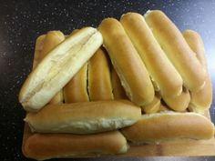 Pølsebrød fra bunnen ,luftige og kjempe gode :-) Noen ganger man gidder ikke å dra til butikken f... Hot Dog Buns, Hot Dogs, Bread, Food, Eten, Bakeries, Meals, Breads, Diet