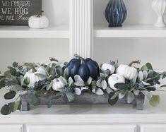 Floral Centerpieces, Centrepieces, Fall Arrangements, Thanksgiving Decorations, Thanksgiving Table, Pumpkin Decorating, Decorating Ideas, Modern Farmhouse Decor, White Pumpkins