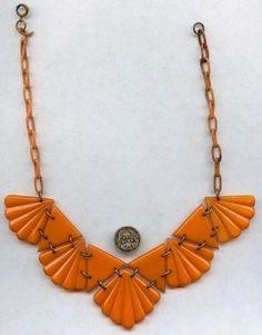 BIG-PUMPKIN-COLOR-BAKELITE-CELLULOID-CHOKER Plastic Jewelry, Resin Jewelry, Stone Jewelry, Diy Jewelry, Unusual Jewelry, Antique Jewelry, Vintage Jewelry, Art Deco Jewelry, Jewelry Design