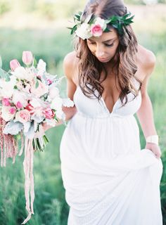 Dress!! Photography: Emily Jane - www.emilyjanephotography.org  Read More: http://www.stylemepretty.com/2014/08/27/bohemian-inspired-field-wedding/