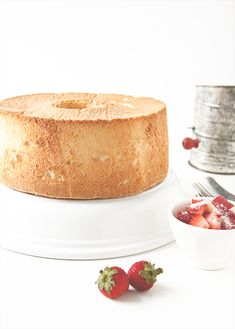 Angel food cake...my mom used to make this when we were kids. One of my favorite cakes back then.