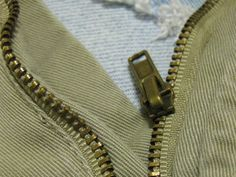 Save your clothes with these easy fixes for common zipper problems. Fix Broken Zipper, Fix A Zipper, Zipper Repair, Zipper Bags, Sewing Hacks, Sewing Tutorials, Sewing Crafts, Sewing Projects, Sewing Tips