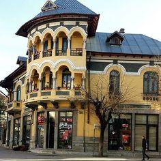 Korca and its wonderful architecture.  #beauty_of_albania #korca #korce #albania #shqiperia #ig_europe #europe #balkan #coloursofalbania #colorsofalbania #invest #visitalbania #vision #instamood #photooftheday #beauty #architecture #archilovers #amazing #vsco #igers #art #vscocam #travel #photo #igdaily #picoftheday #happy #love