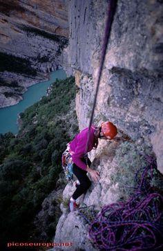 Escalada en la pared de Catalunya, Sierra del Montsec, Huesca, Aragón, España