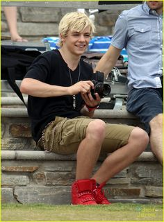imagine  you and Ross are having a fun day at the park. about thirty minutes later, paparazzi start showing up and taking pictures of you and Ross together. you don't care, but Ross seems a little mad about it. after a while, he storms off and leaves you alone. you look around frantically and them see him in the crowd taking pictures of you, smiling. and at that moment you feel absolutely perfect because perfection wants to take pictures of you.  -R.R.R (run right to Ross)
