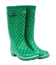 Wide Calf Rain Boots extra wide calf boots for women, check to see different sizes, colour and designs. Walking In The Rain, Wide Width Shoes, Wide Calf Boots, Weekend Wear, Shoe Closet, Types Of Shoes, Sweater Weather, Winter Boots, Designer Shoes
