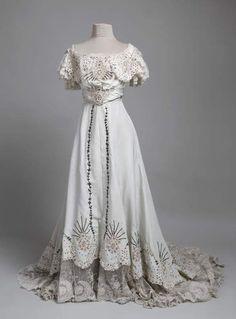 Evening dress, 1906-07