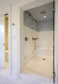 shower floor - trimmed in white with pattern in middle