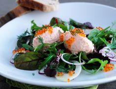Billede af Mousse af varmrøget laks i salatrede