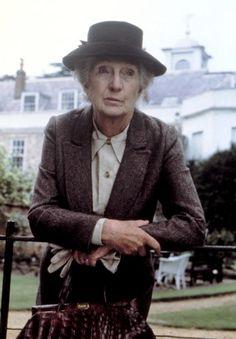 Joan Hickson (1906/1998) attrice inglese - un'altra  MIss Marple.