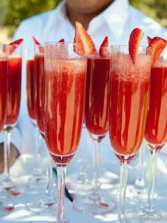 awesome*:・꒰ ૢඹ௰ ૢඹ✿꒱ looks so yummy✨ Thank you for the follow✨ - 17件のもぐもぐ - Strawberry mimosas by mya phaxaisithideth